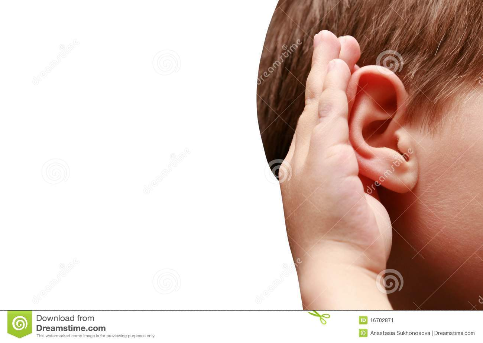 Słuchać słucha chłopiec