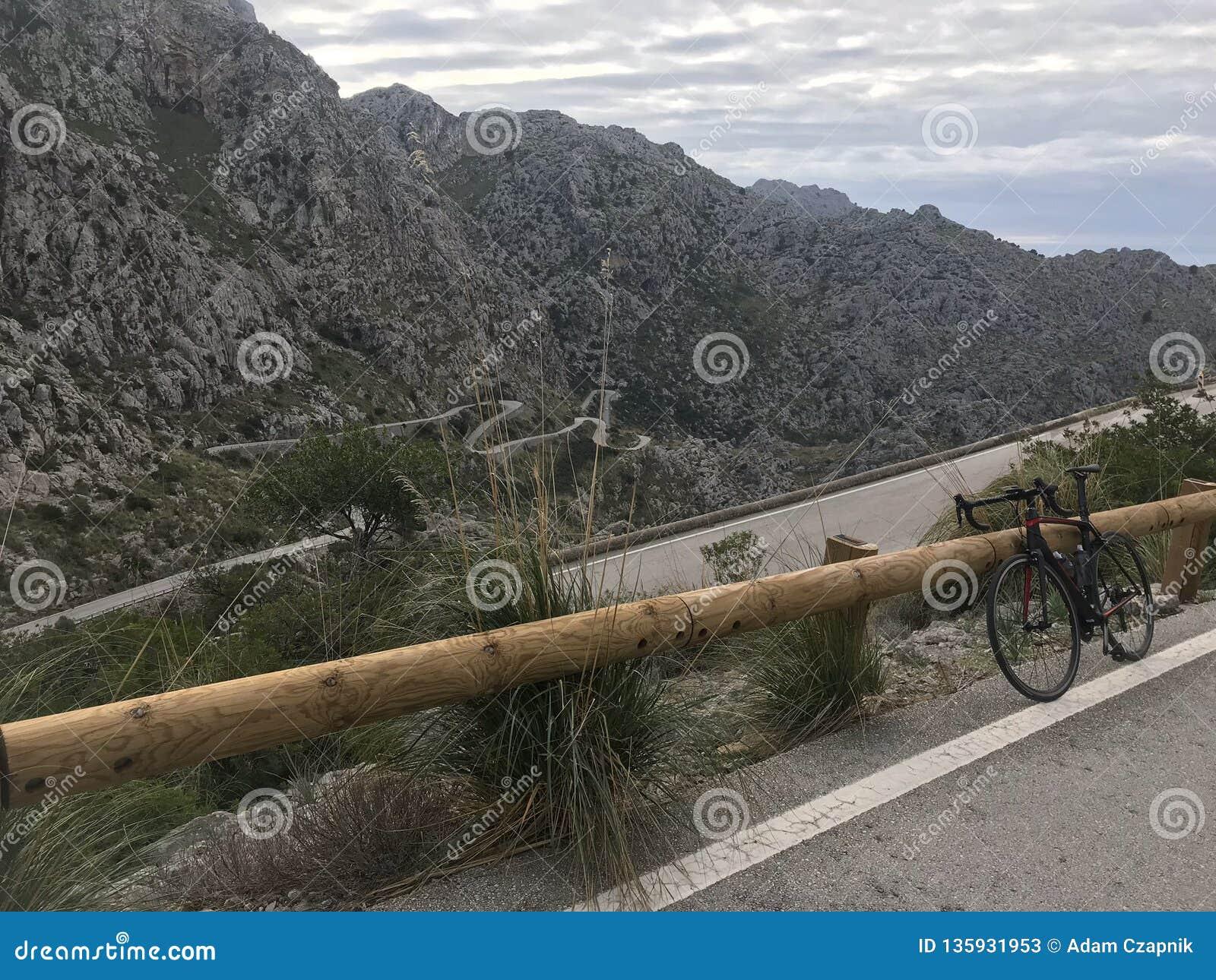 S?awna w??owata droga Sa Calobra, Mallorca