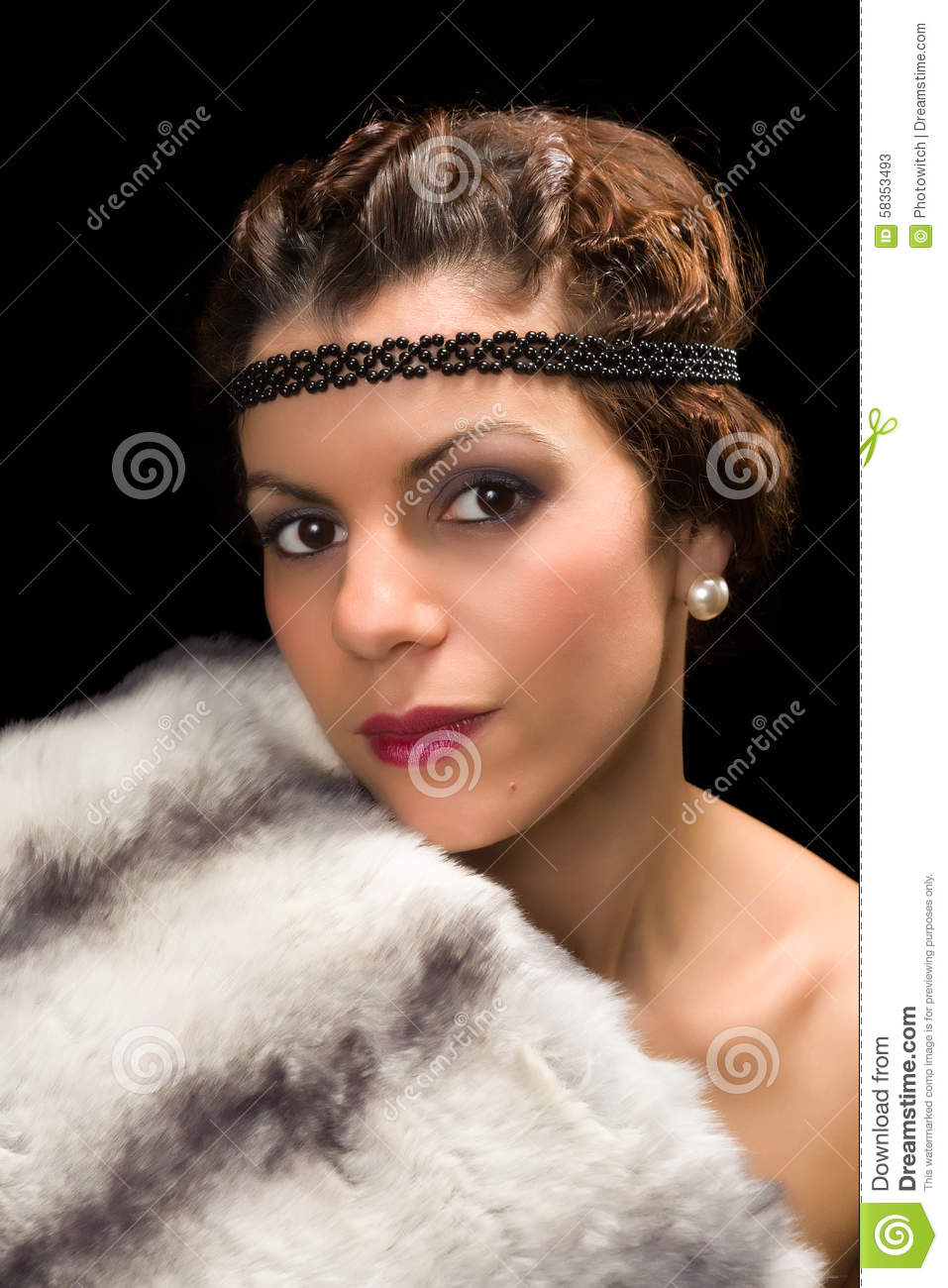 1920s lady with fur