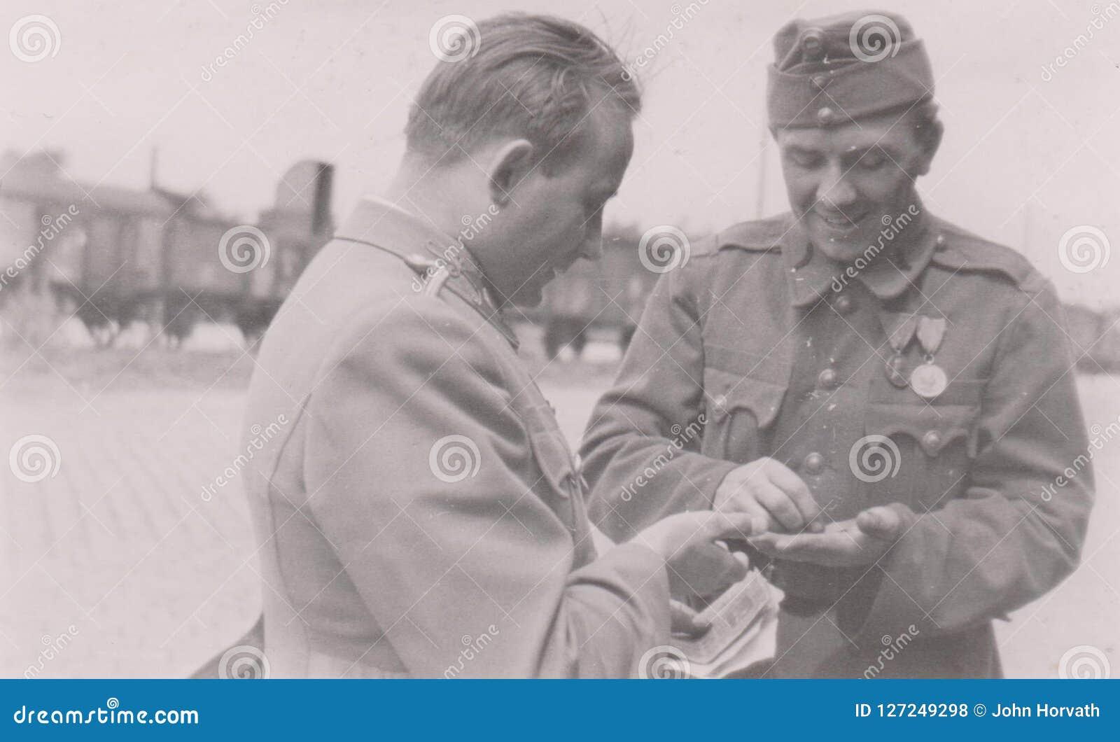 S00003 militär fotoUngern för järnvägsstation WWII