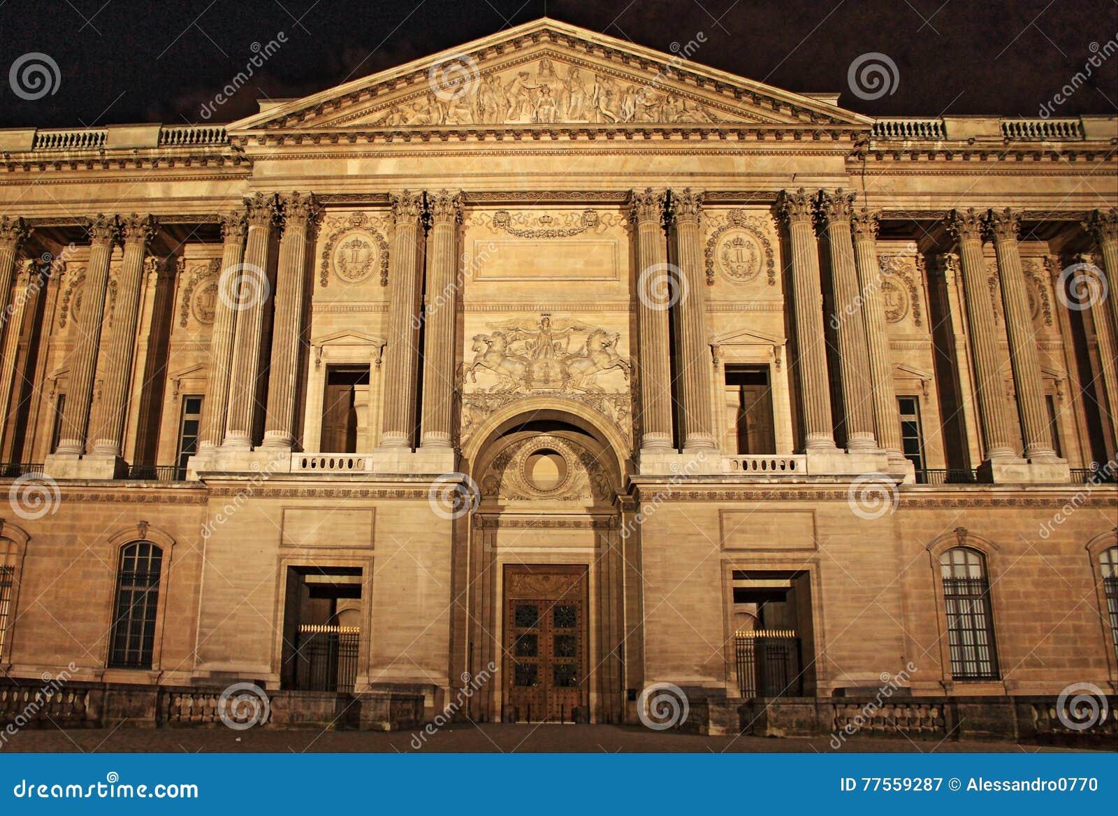 s nachts de Colonnade van Perrault