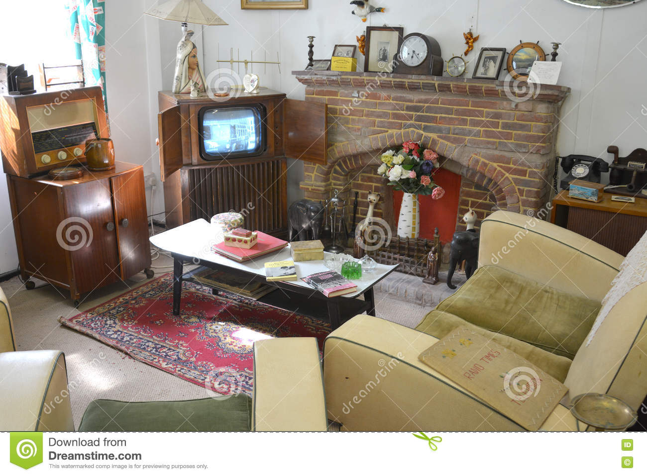 A 1940s 1950s living room with vintage furniture