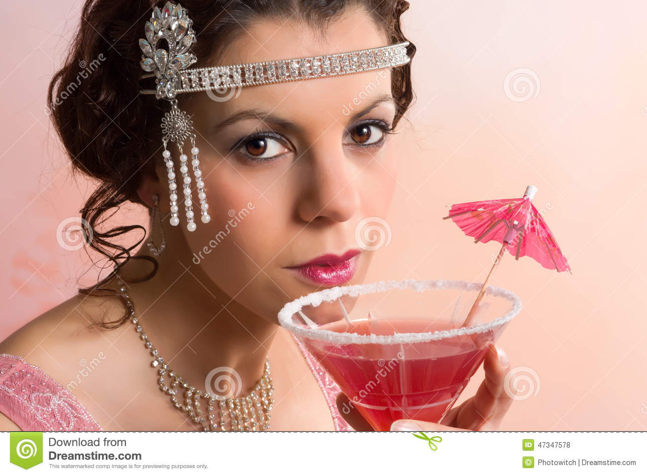 1920s vintage woman with cocktail