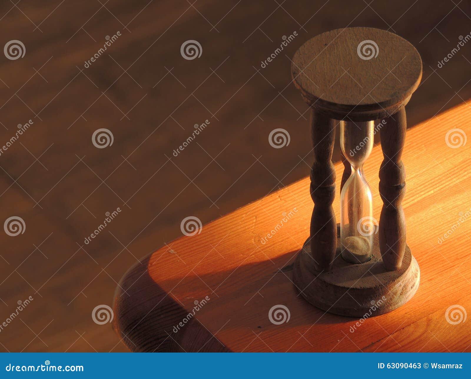Download Sablier image stock. Image du coin, sablier, baisse, sable - 63090463
