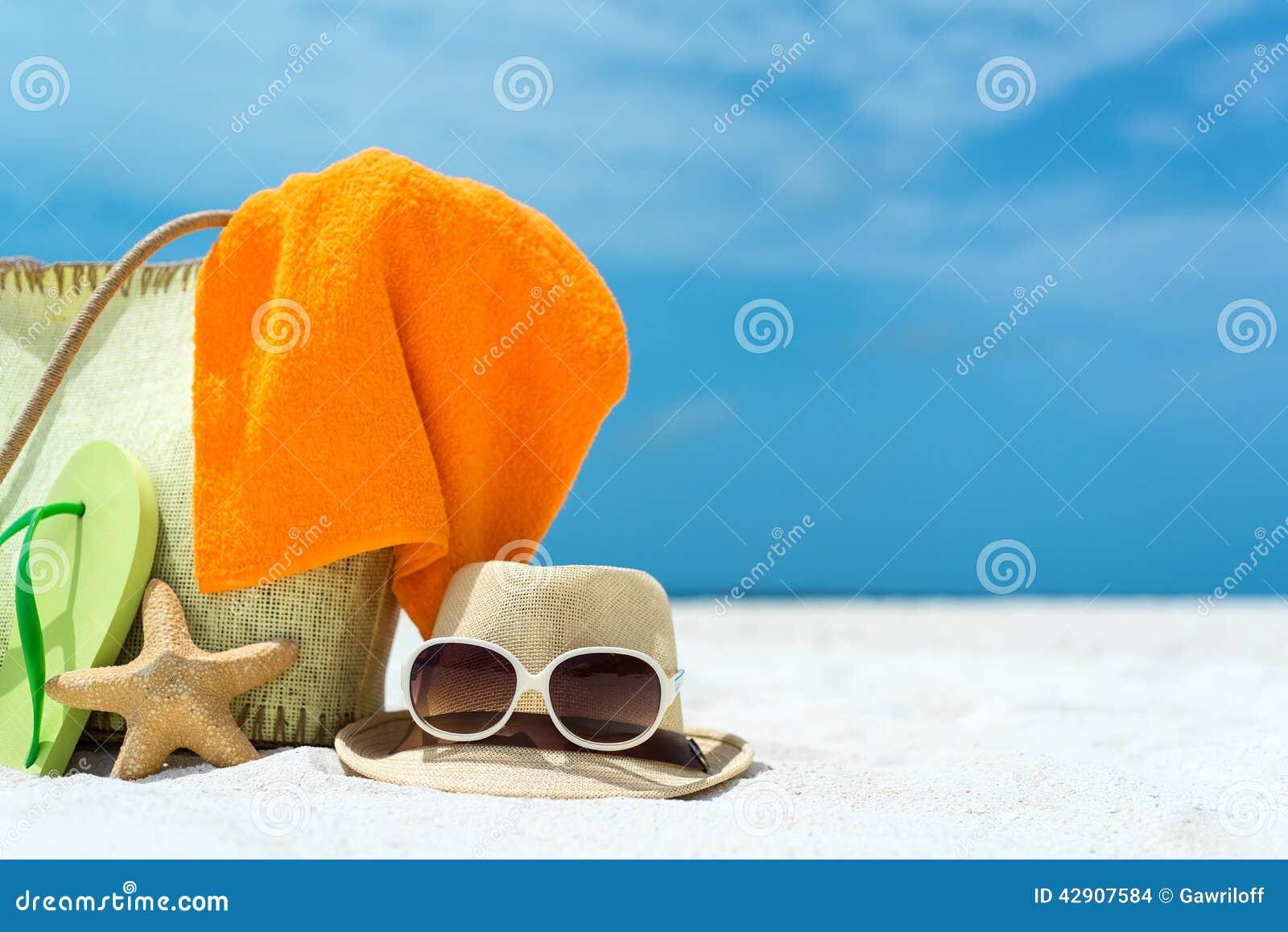 sac de plage d 39 t avec les toiles de mer la serviette. Black Bedroom Furniture Sets. Home Design Ideas