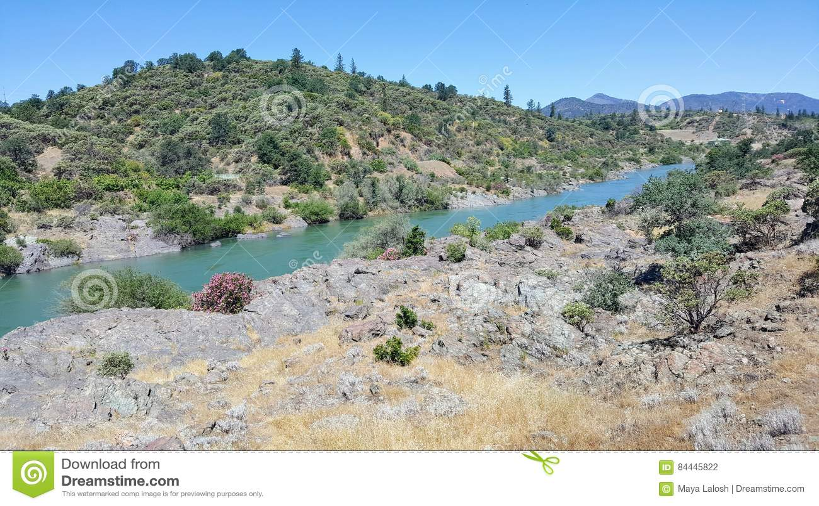 Sacramento River In Redding Kalifornien Stockfoto Bild Von Nave