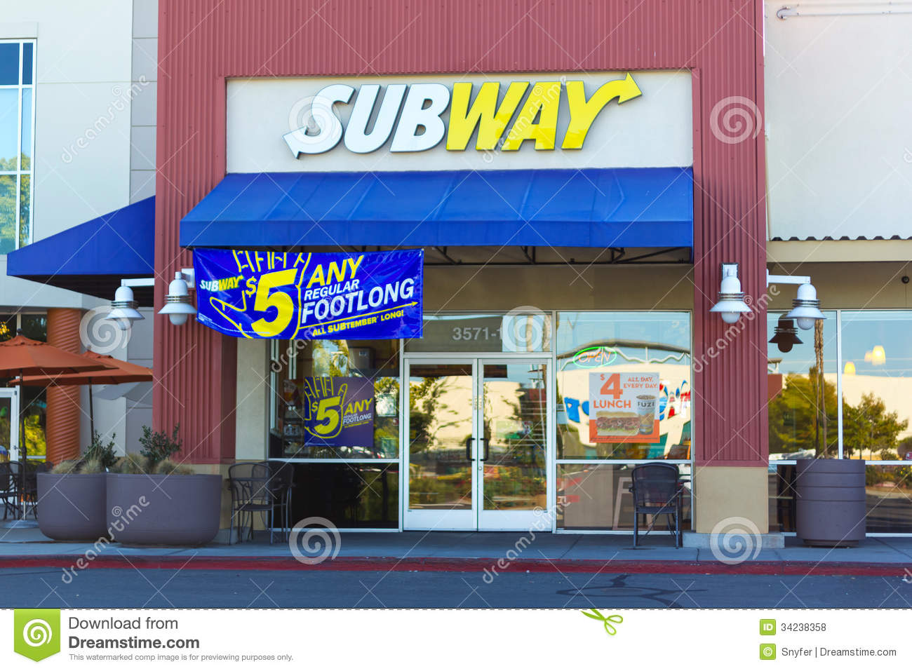 Sacramento usa september 23 subway store on september for Cuisine store