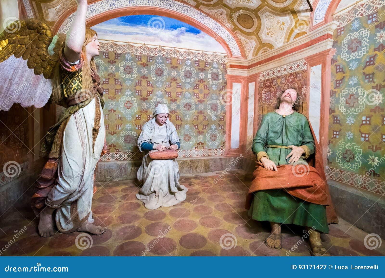 Sacro Monte di Varallo, representação bíblica da cena de Piedmont de sonhos de Saint Joseph de um anjo quando a Virgem Maria cost