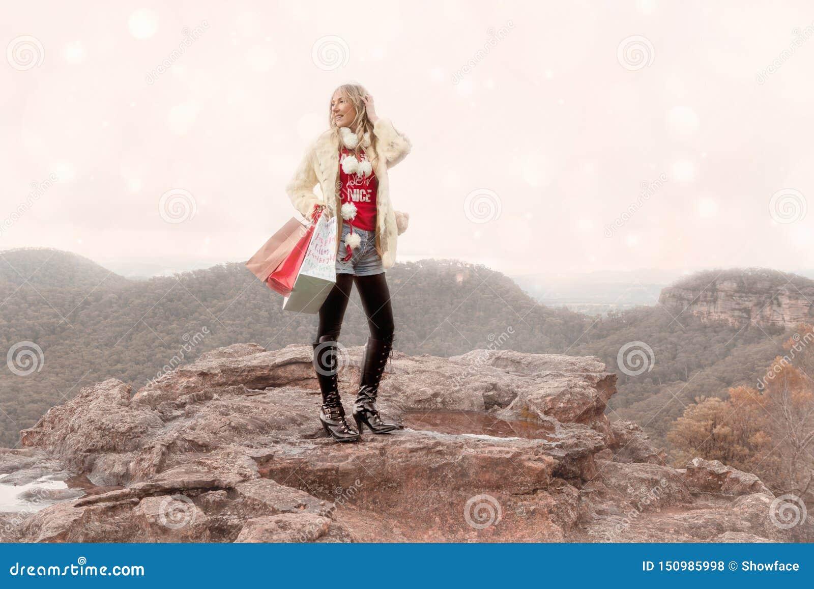 Sacs à provisions se tenants femelles Noël hivernal de scène dans les montagnes