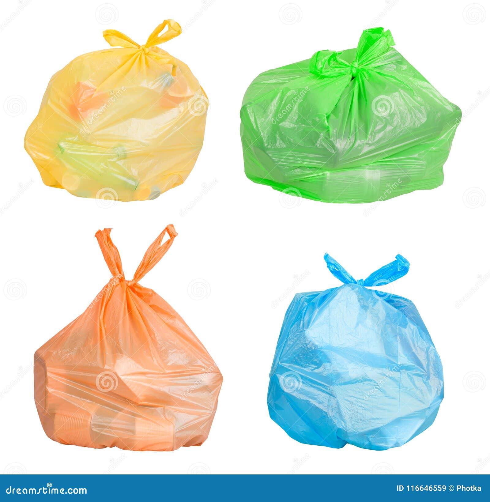 Sacs avec des déchets assortis pour la réutilisation