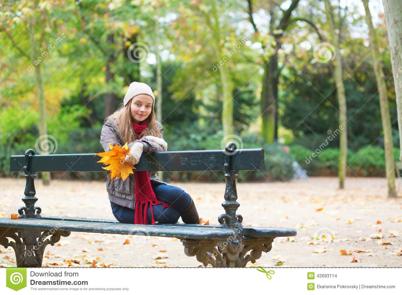 Girl Sitting Alone On Bench Sad Girl Sitting On A ...