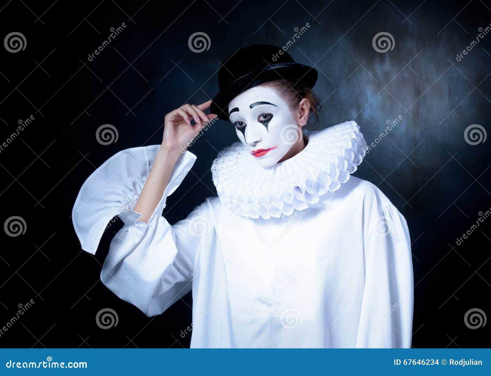 How To Do Pierrot Clown Makeup Makeup Vidalondon