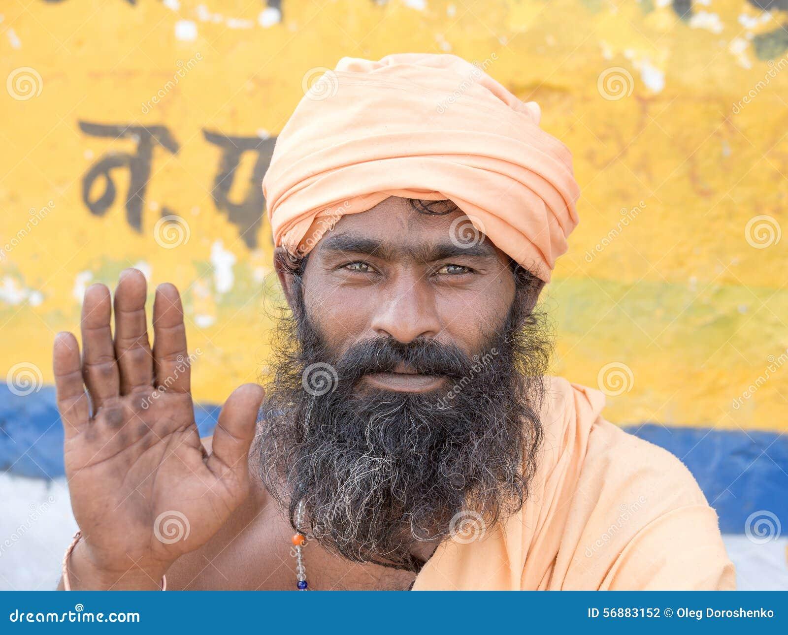 Sadhu indiano - uomo santo