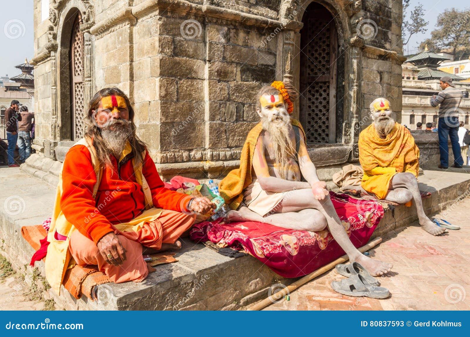 Sadhus bij Pashupatinath-tempel