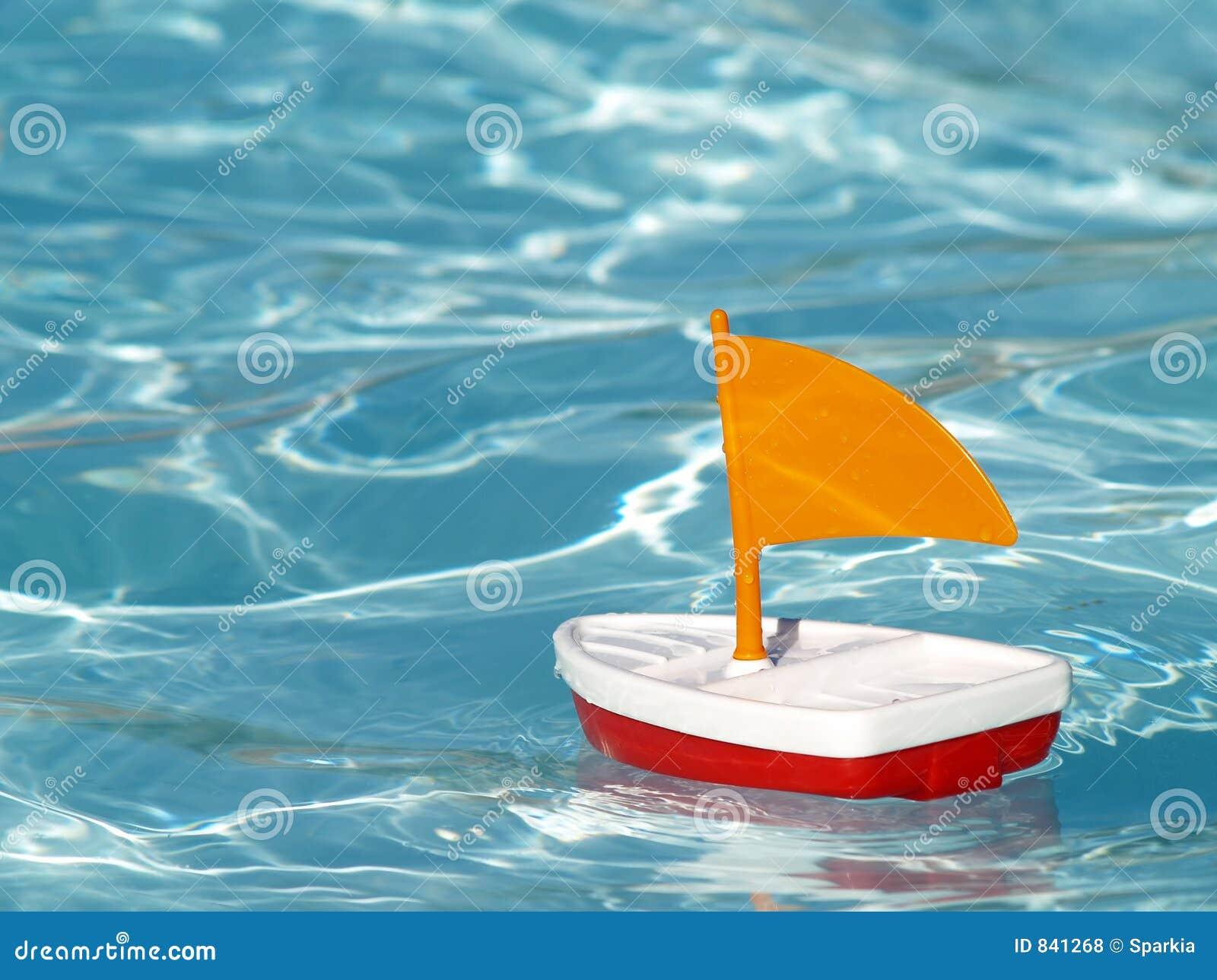 Sailboat λιμνών κολύμβηση