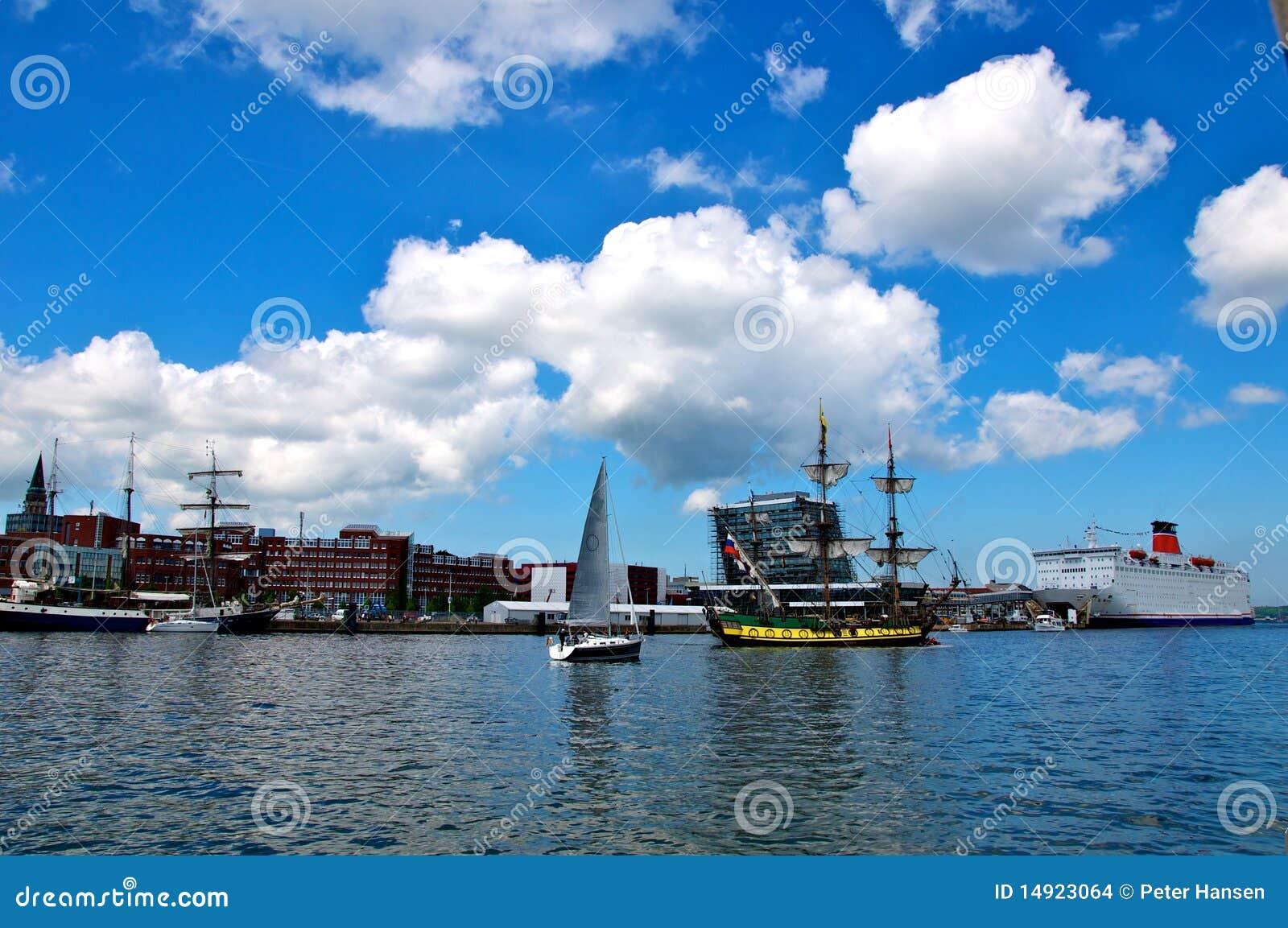 Sailing ships and cruise liner