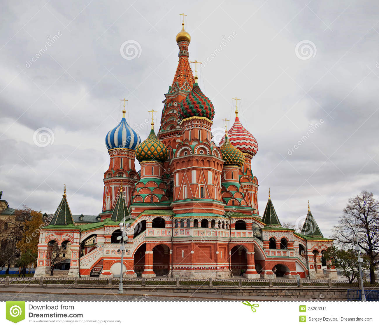 Saint Basil\u0027s Cathedral, Moscow, Russia. Stock Image - Image: 35208311