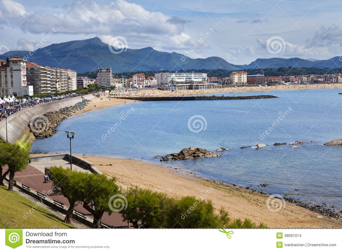 saint jean de luz beach in pays basque france stock photo image of pyrenees sand 38691014. Black Bedroom Furniture Sets. Home Design Ideas