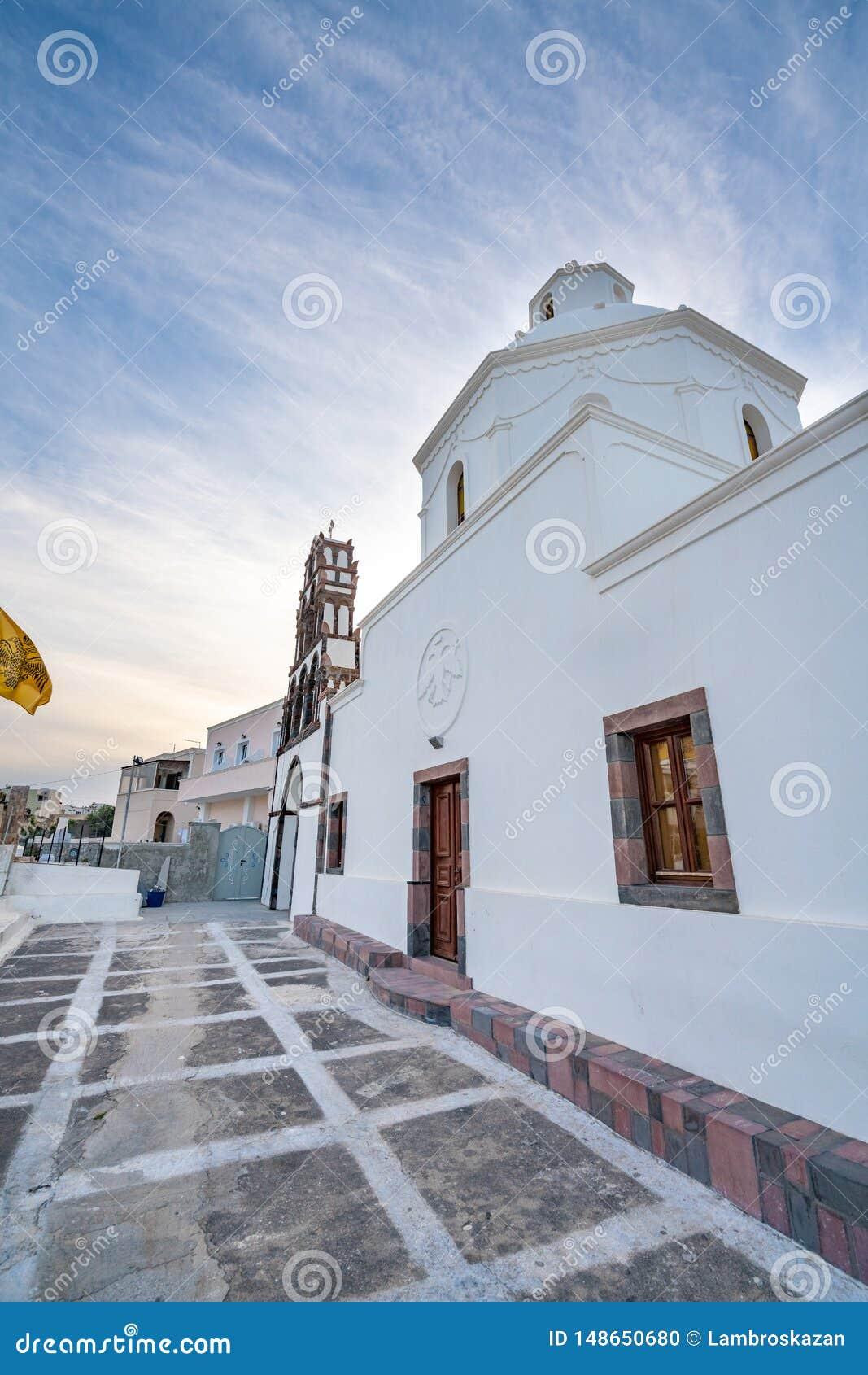 Saint John na ilha de Santorini em Gr?cia, um dos destinos os mais bonitos do curso do mundo Lugar Karterados