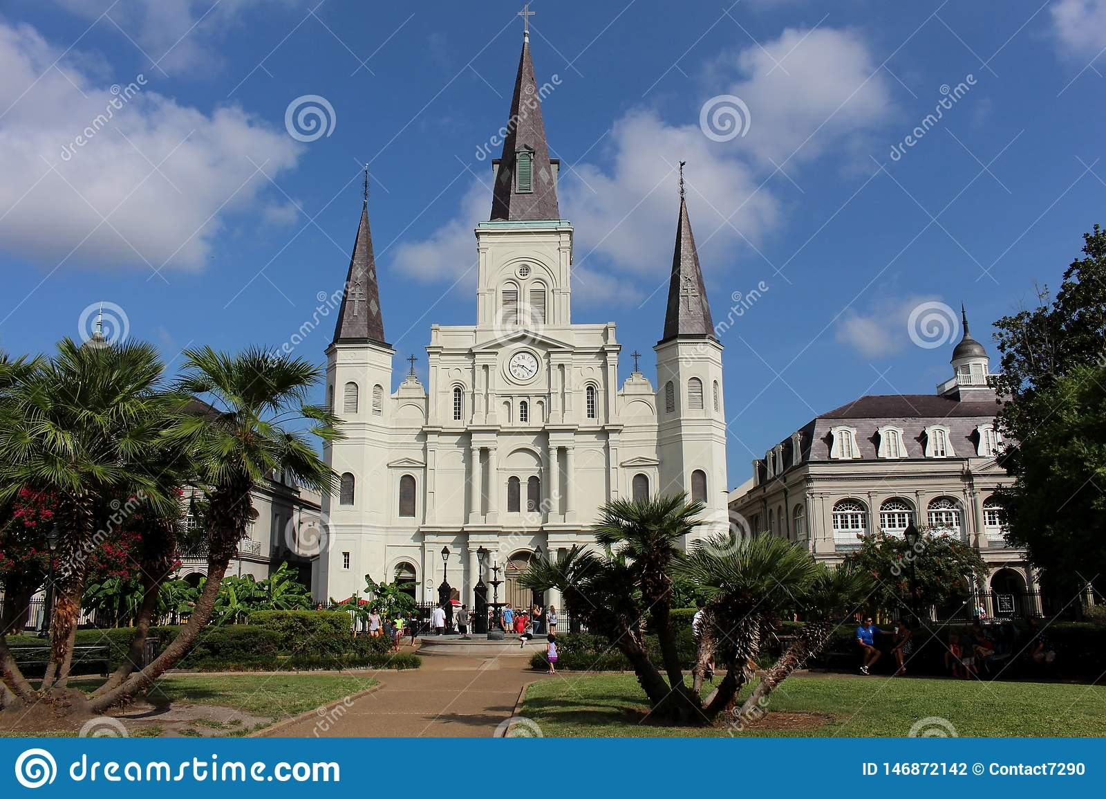 Saint Louis Cathedral do marco histórico nacional em Jackson Square