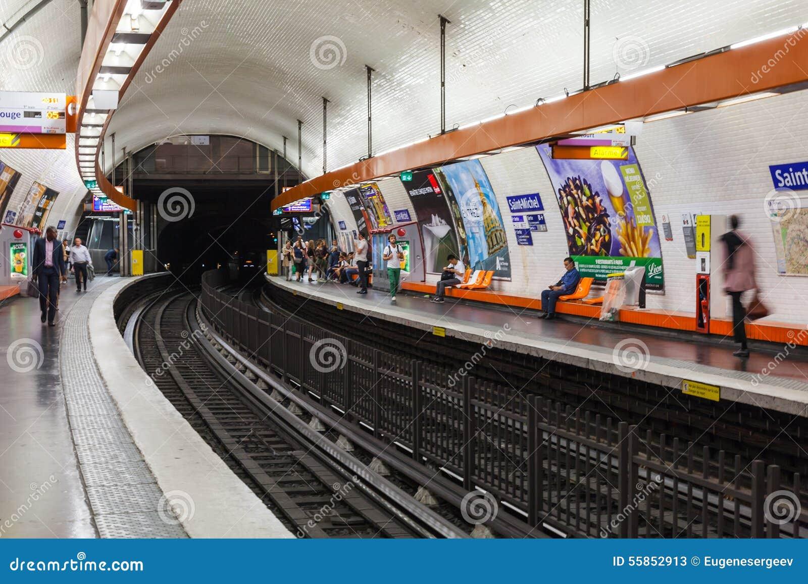 Saint michel estaci n de metro parisiense foto de archivo editorial imagen 55852913 - Saint michel paris metro ...