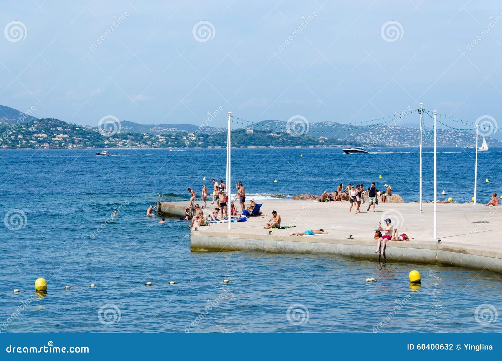 Saint Tropez Strand Redaktionelles Stockfotografie Bild Von Freude