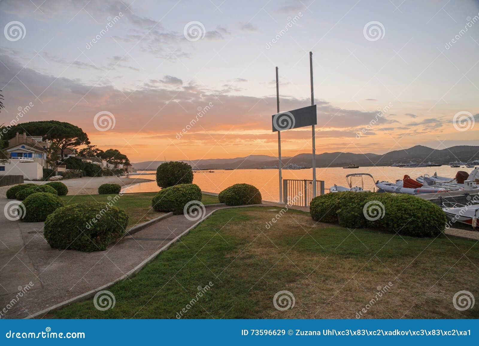 Saint Tropez Strand Bei Sonnenuntergang Franzosisches Riviera