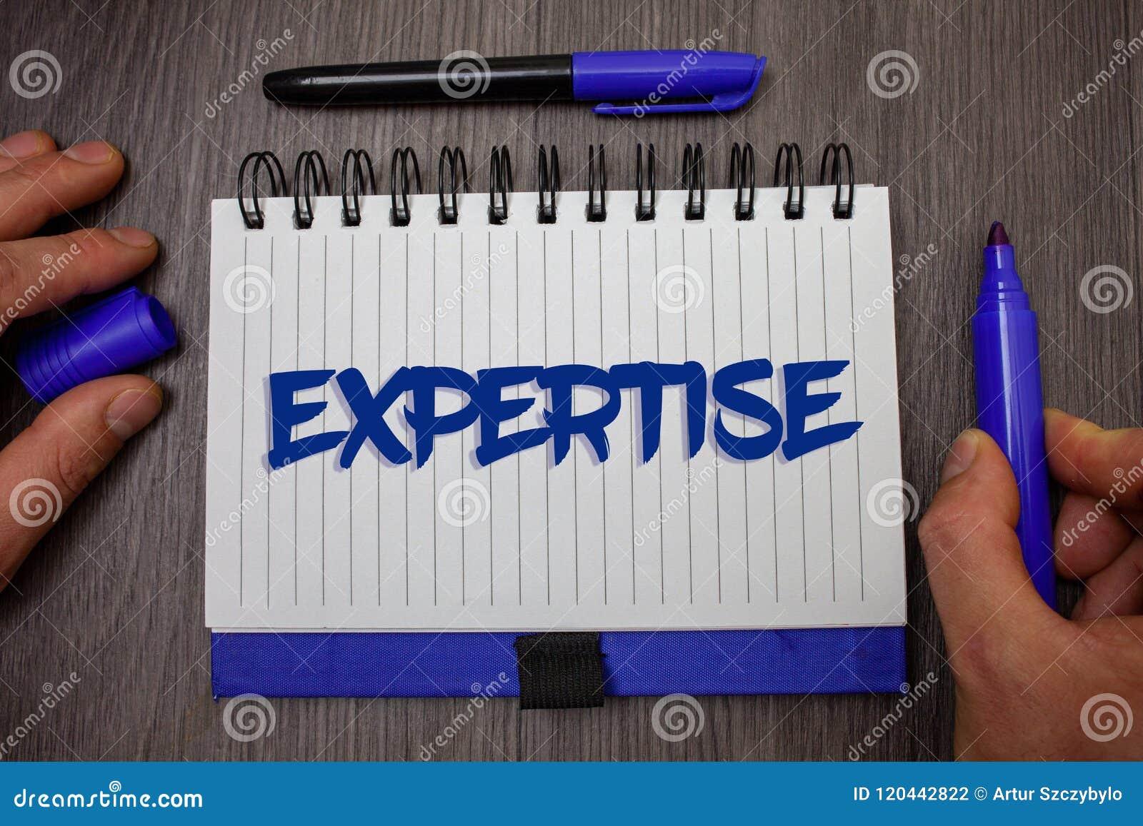 Sakkunskap för ordhandstiltext Affärsidé för sakkunnig expertis eller kunskap i en särskild holdi för håll för man för vishet för