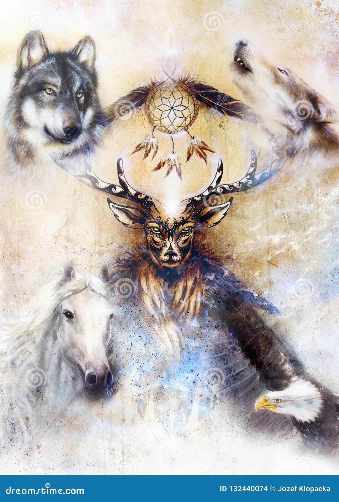 Sakral dekorativ hjortande med dröm- stopparesymbol och fjädrar och varg, häst, örn i kosmiskt utrymme