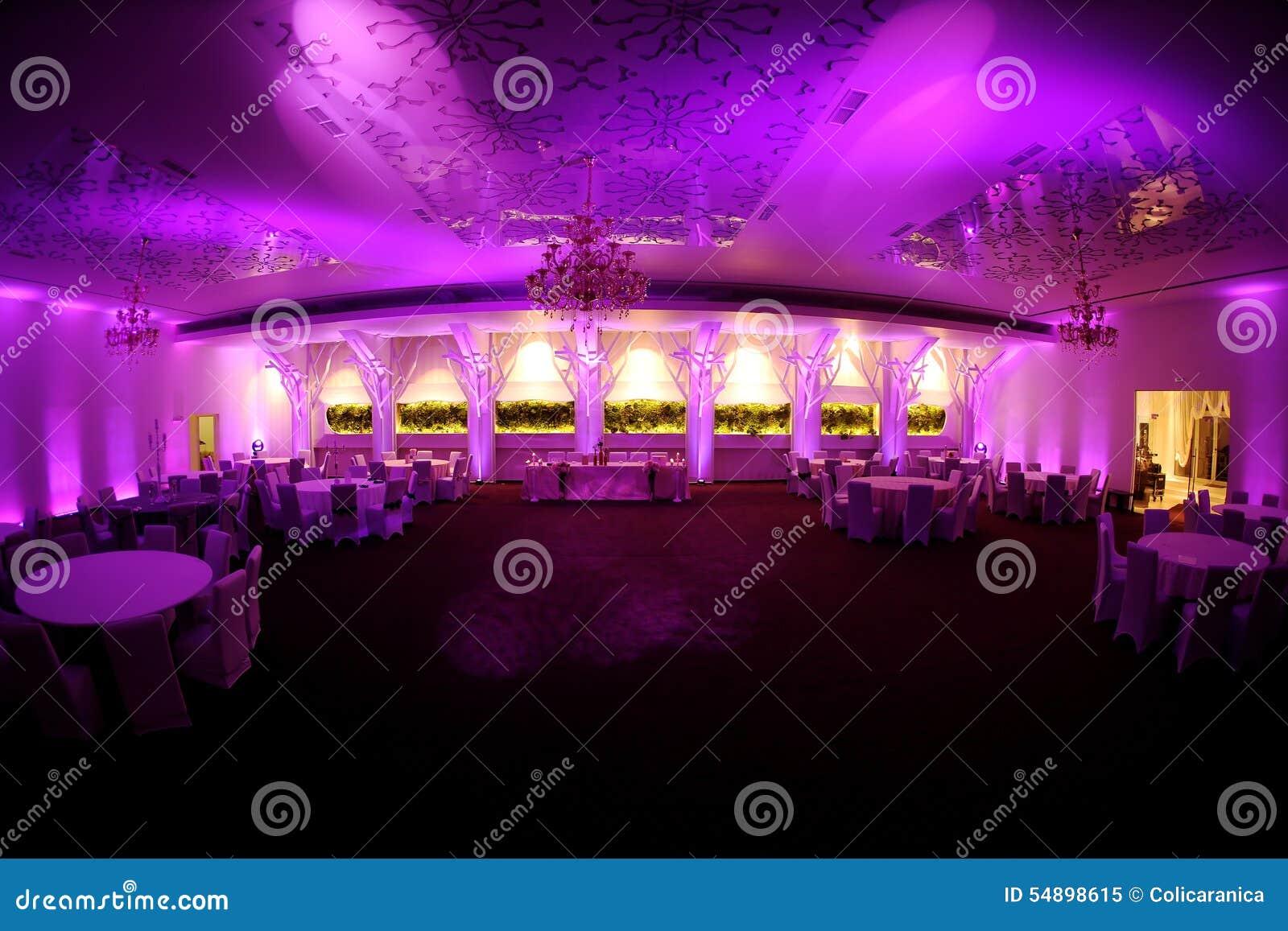 Salón de baile enorme