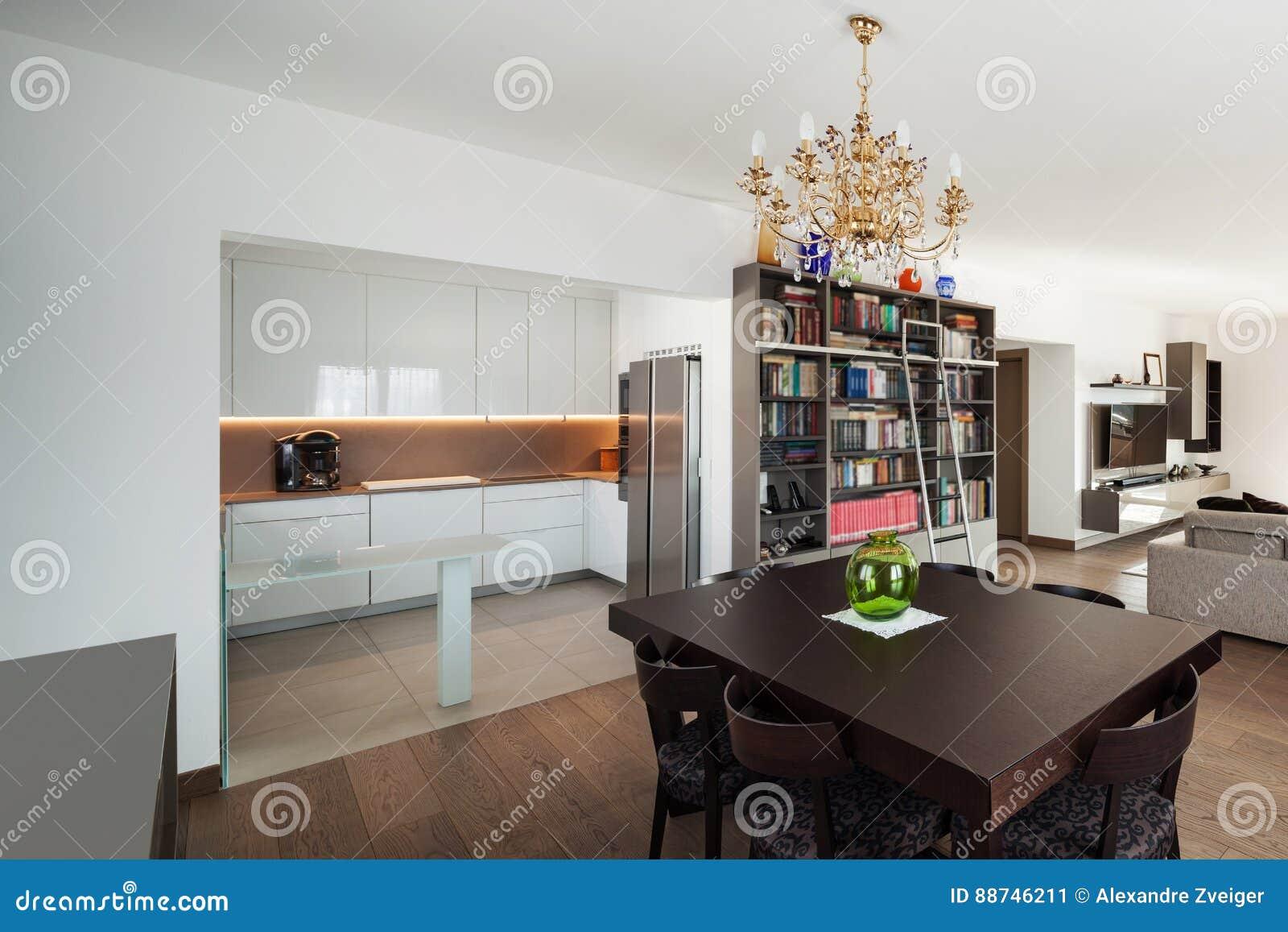 Salon Comedor Grande.Salon Grande Con La Mesa De Comedor Interior Imagen De