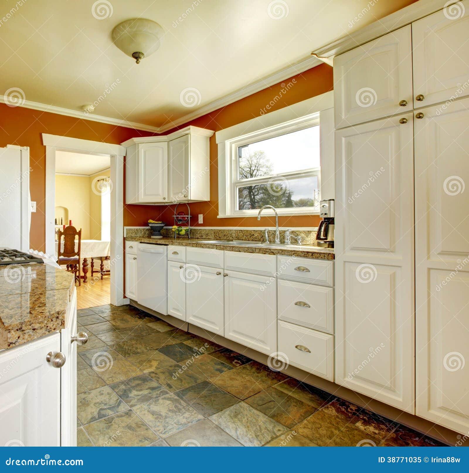 Foto de Stock Royalty Free: Sala alaranjada da cozinha com armários  #783E0F 1300 1327
