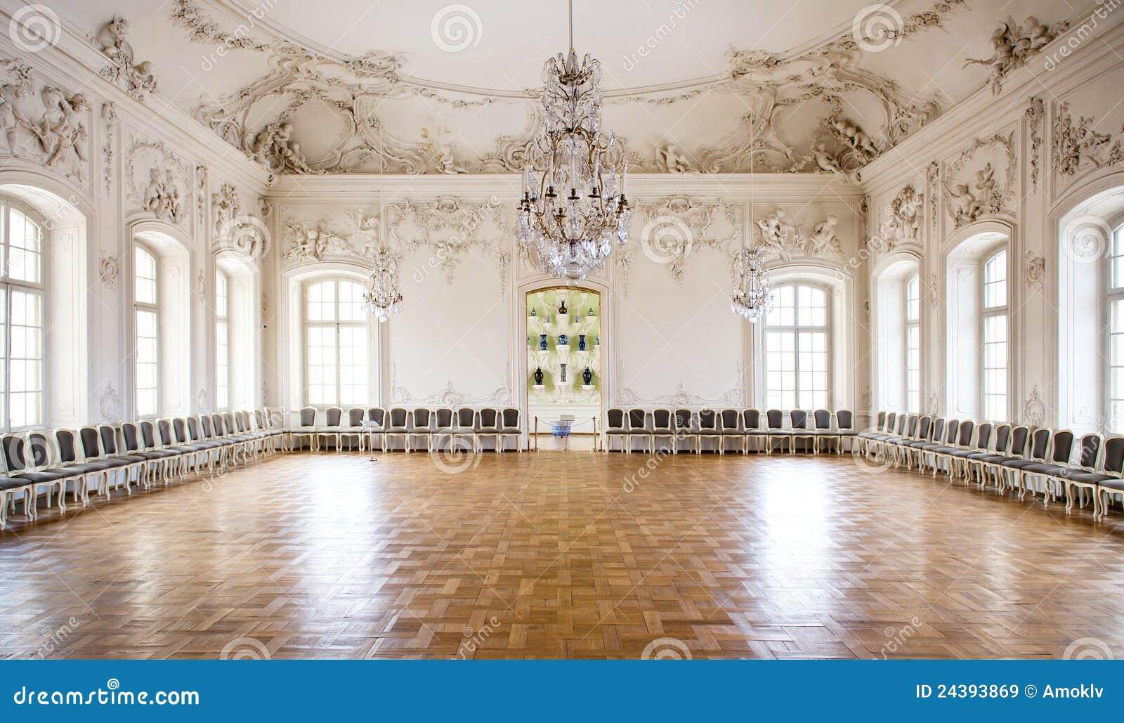 Sala da ballo del grande corridoio nel palazzo di rundale for Planimetrie del palazzo con sala da ballo