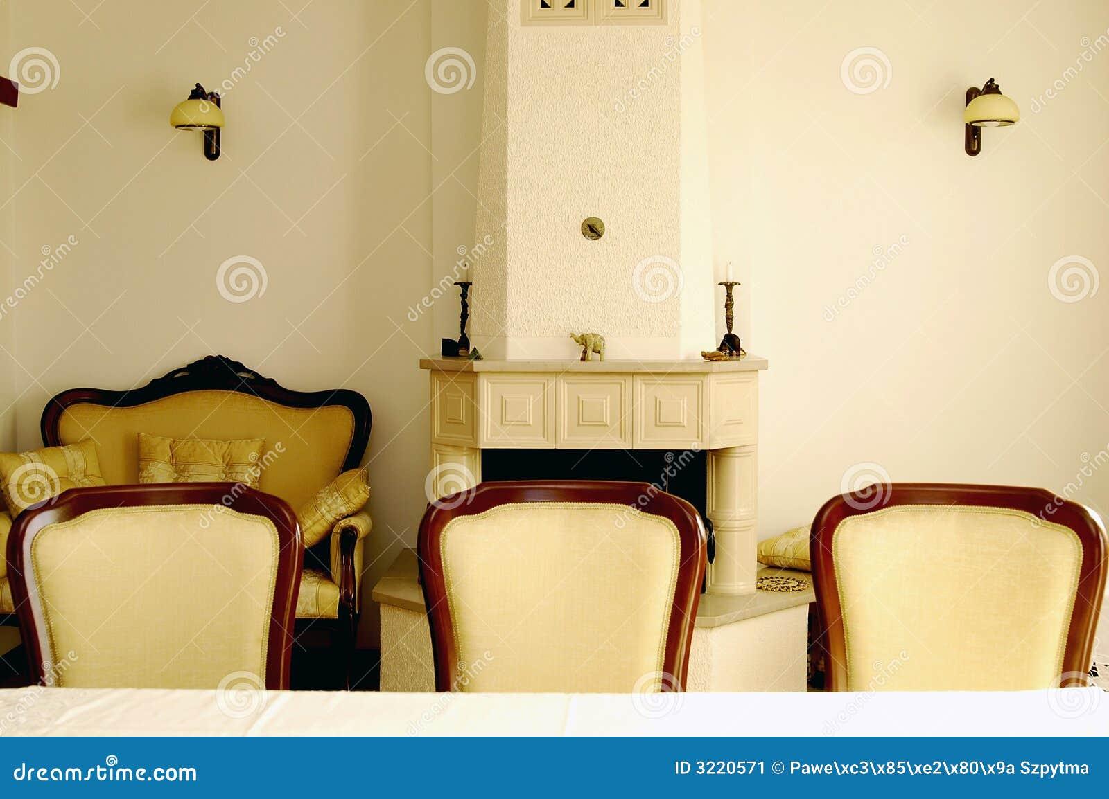 Sala da pranzo immagine stock immagine di lampada for Sala da pranzo reale