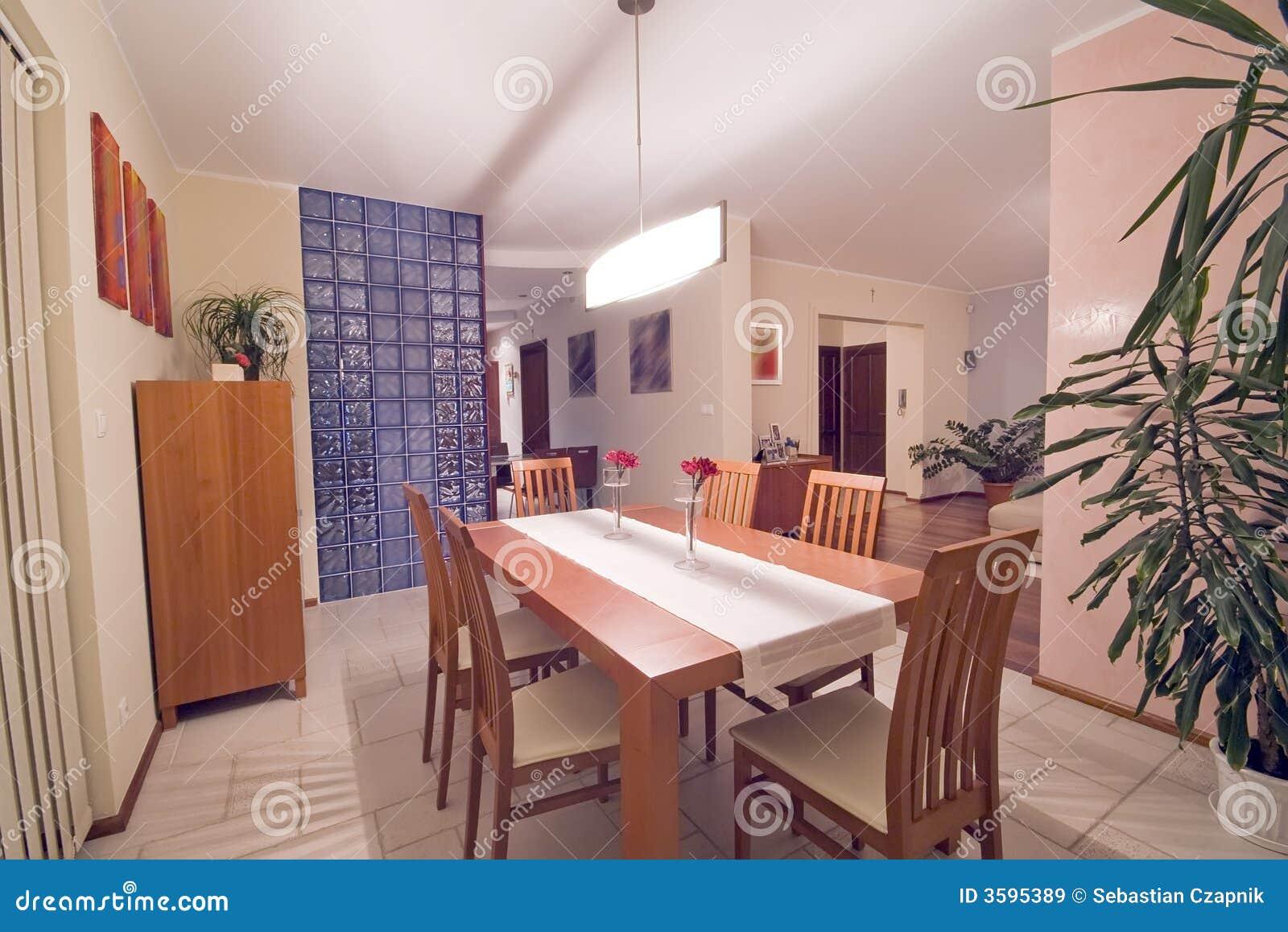 Sala da pranzo immagini stock libere da diritti immagine for Pianta della sala da pranzo