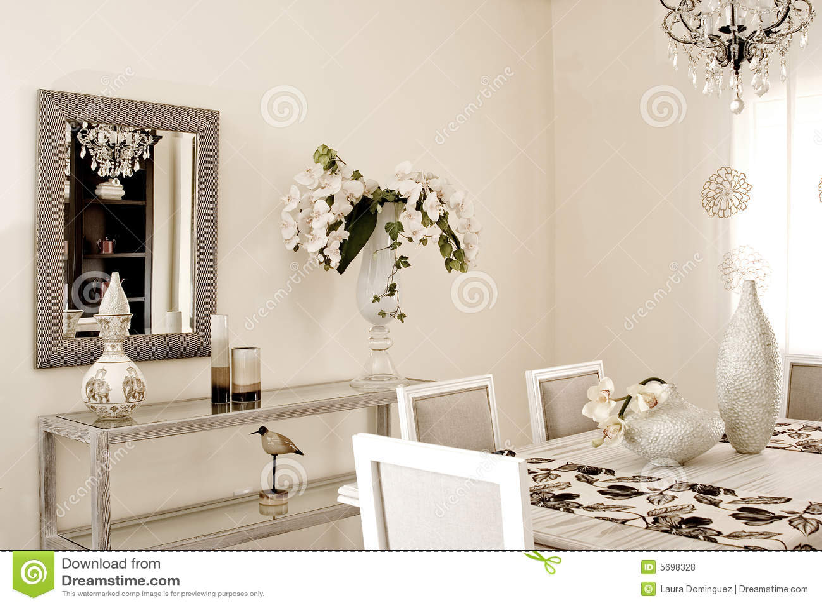 Sala Da Pranzo Fotografie Stock Libere Da Diritti Immagine: 5698328 #84A922 1300 975 Sala Da Pranzo Classica Ikea