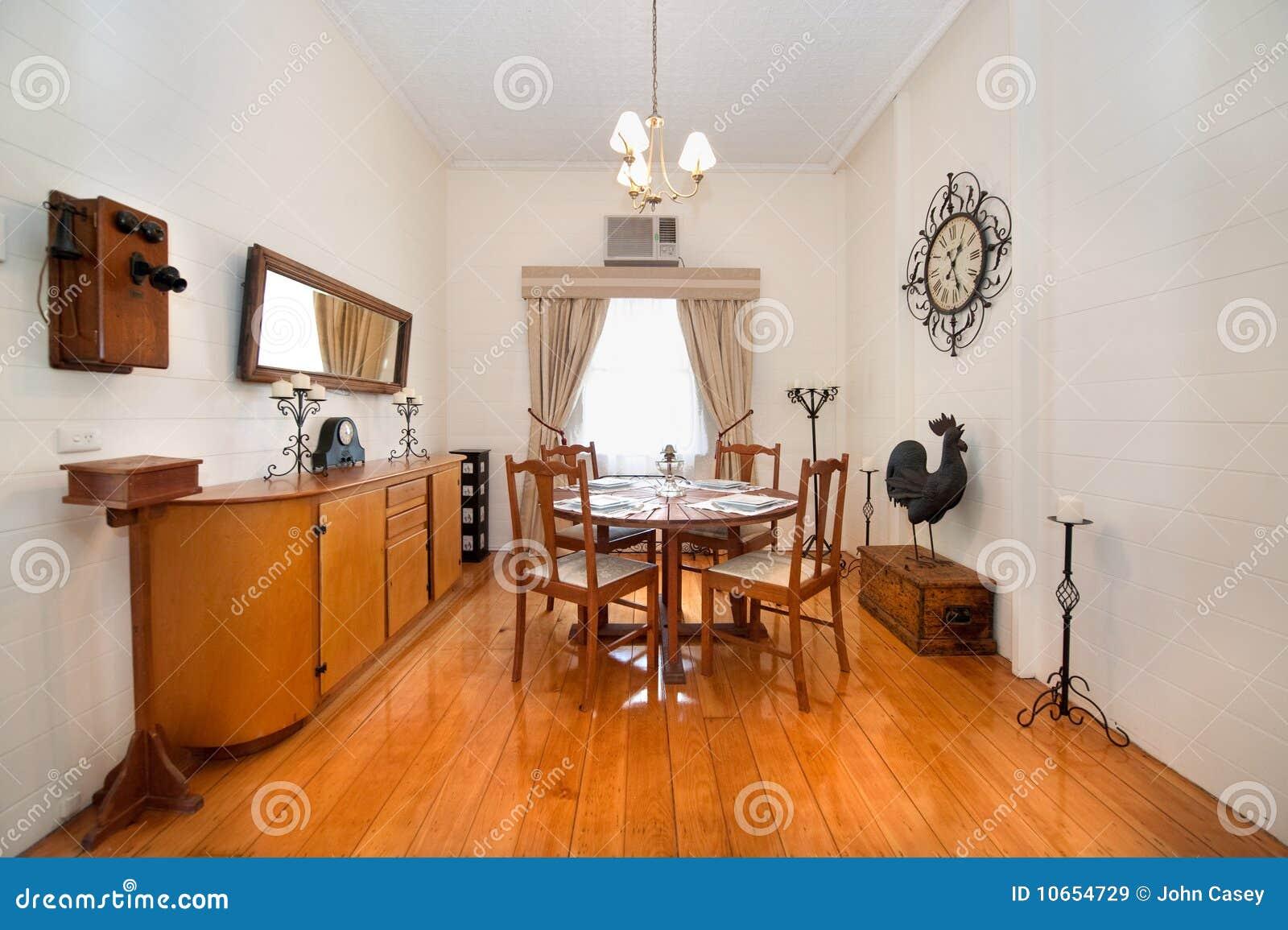 Sala da pranzo classica di stile immagine stock immagine - Sala pranzo ...