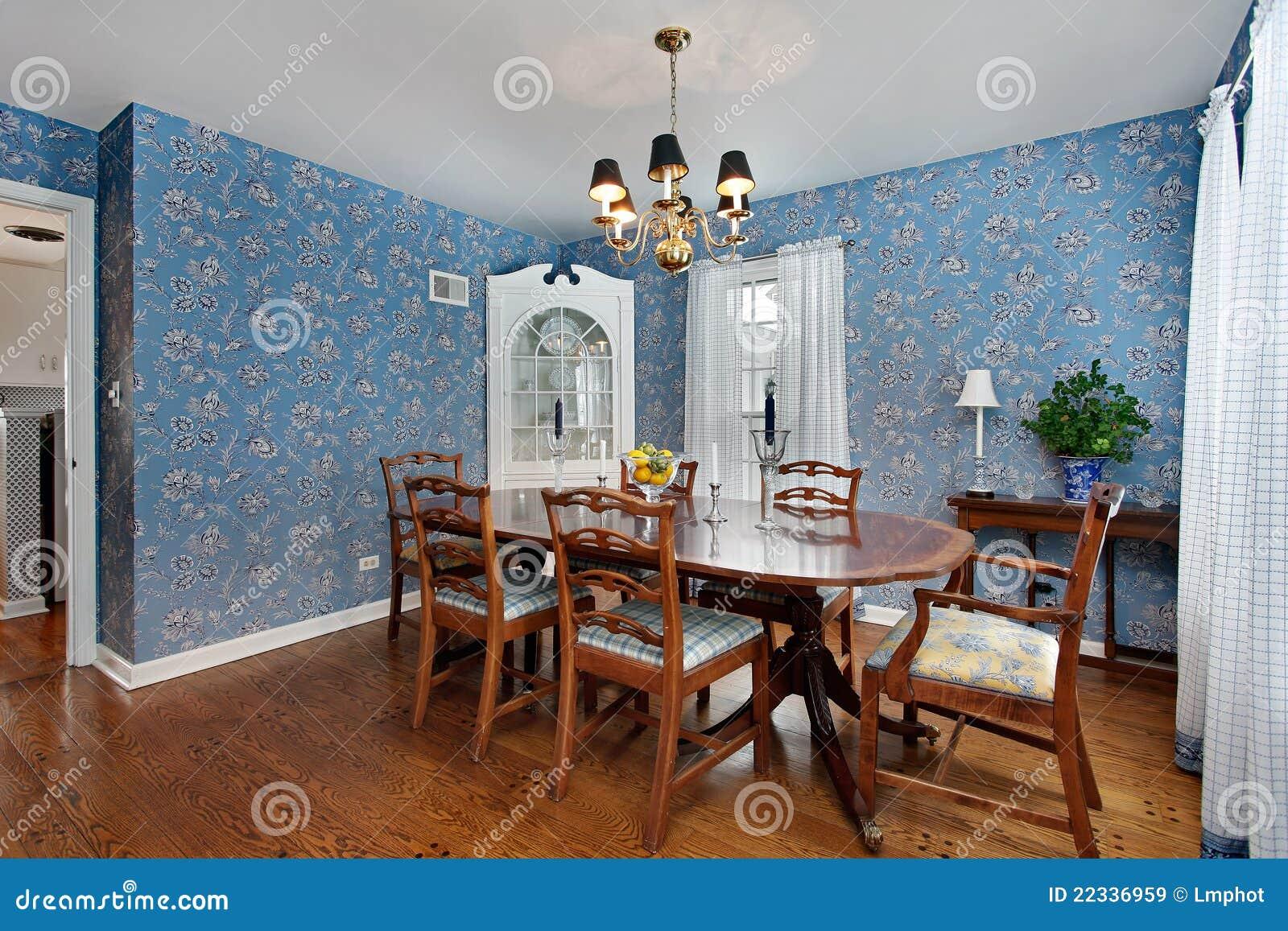 Sala Da Pranzo Con La Carta Da Parati Blu Immagini Stock Libere Da  #713F22 1300 957 Sala Da Pranzo Blu