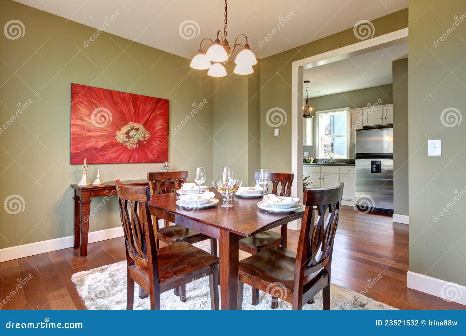 Sala da pranzo con le pareti ed il pavimento verdi della - Cucina con sala da pranzo ...
