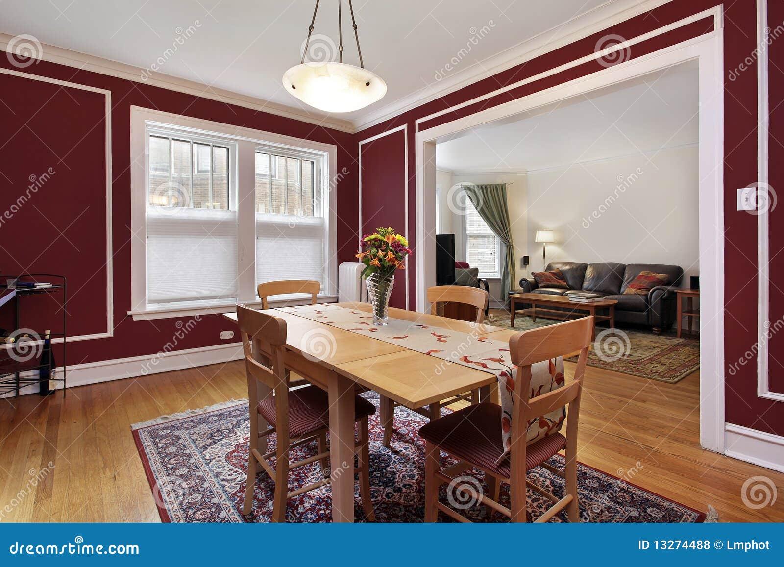 Sala Da Pranzo Con Le Pareti Rosse Fotografia Stock - Immagine: 13274488