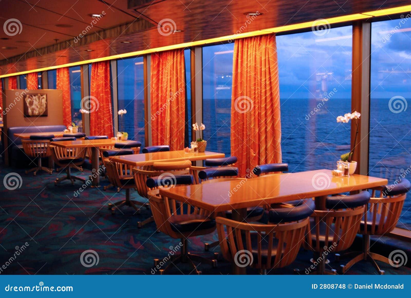Sala da pranzo della nave da crociera fotografia stock for Pianta della sala da pranzo