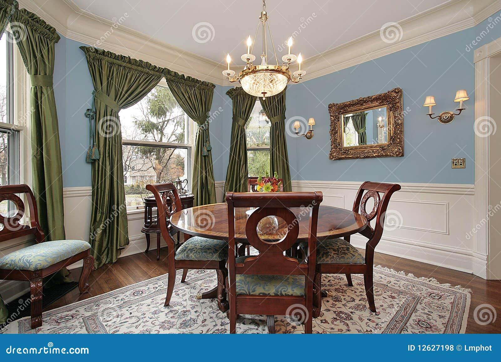 Sala da pranzo nella casa di lusso fotografia stock for Sala da pranzo versace