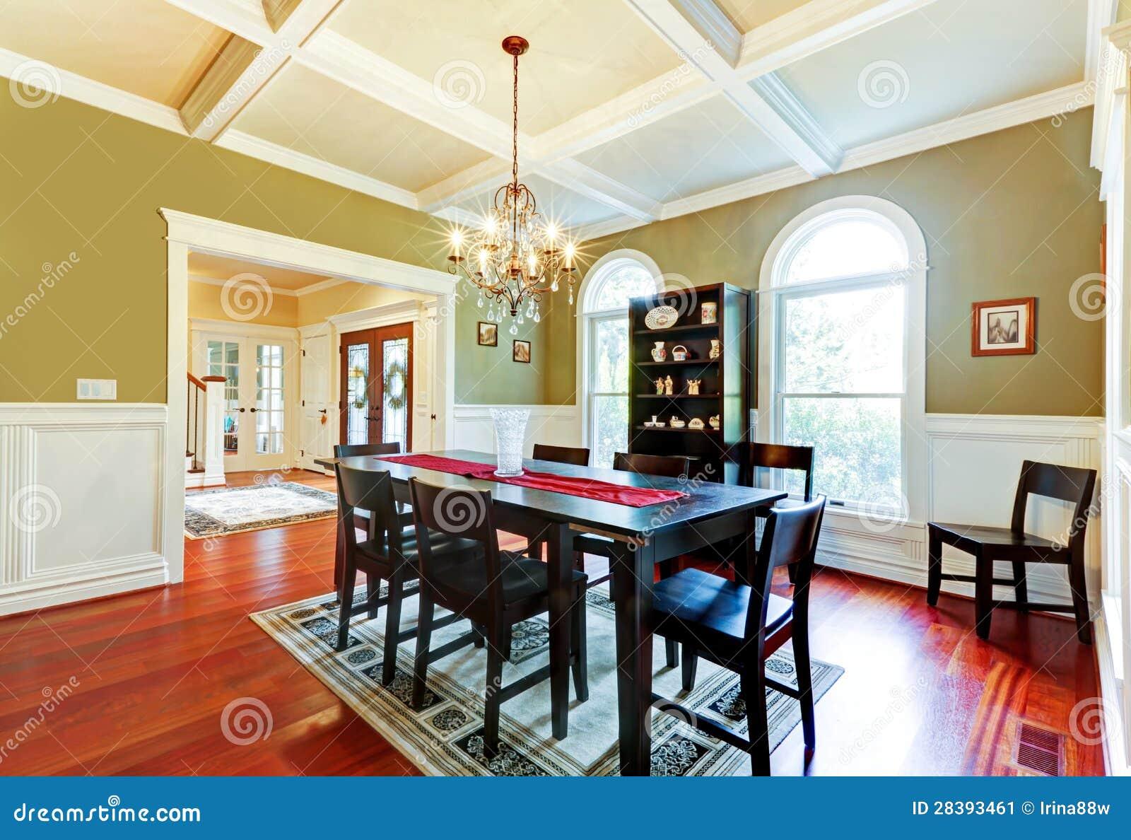 Sala Da Pranzo Verde Elegante Di Lusso Con Il Pavimento Della Ciliegia  #A63D25 1300 982 Sala Da Pranzo E Studio