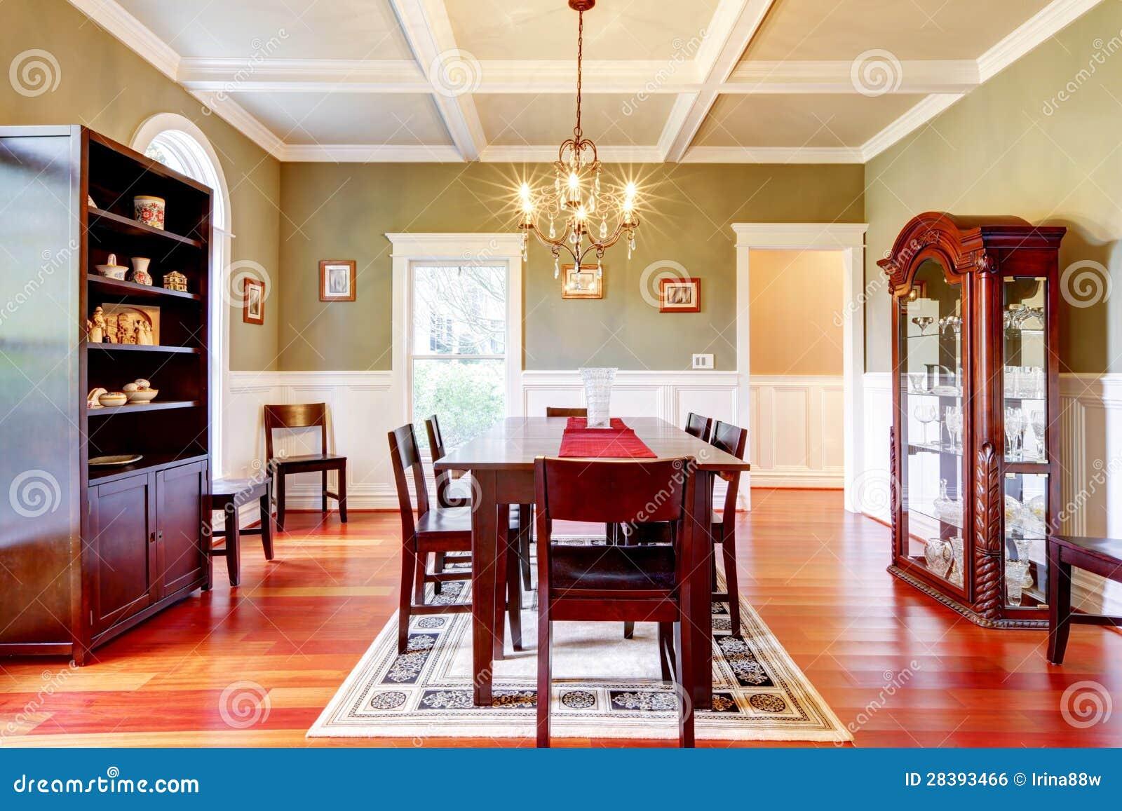 Sala da pranzo verde elegante di lusso con il pavimento for Pianta della sala da pranzo