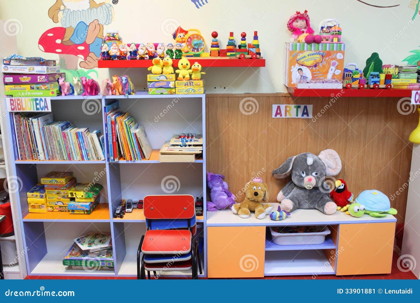 decoracao sala de aula jardim encantado:Sala De Aula Do Jardim De Infância Foto Editorial – Imagem: 33901881