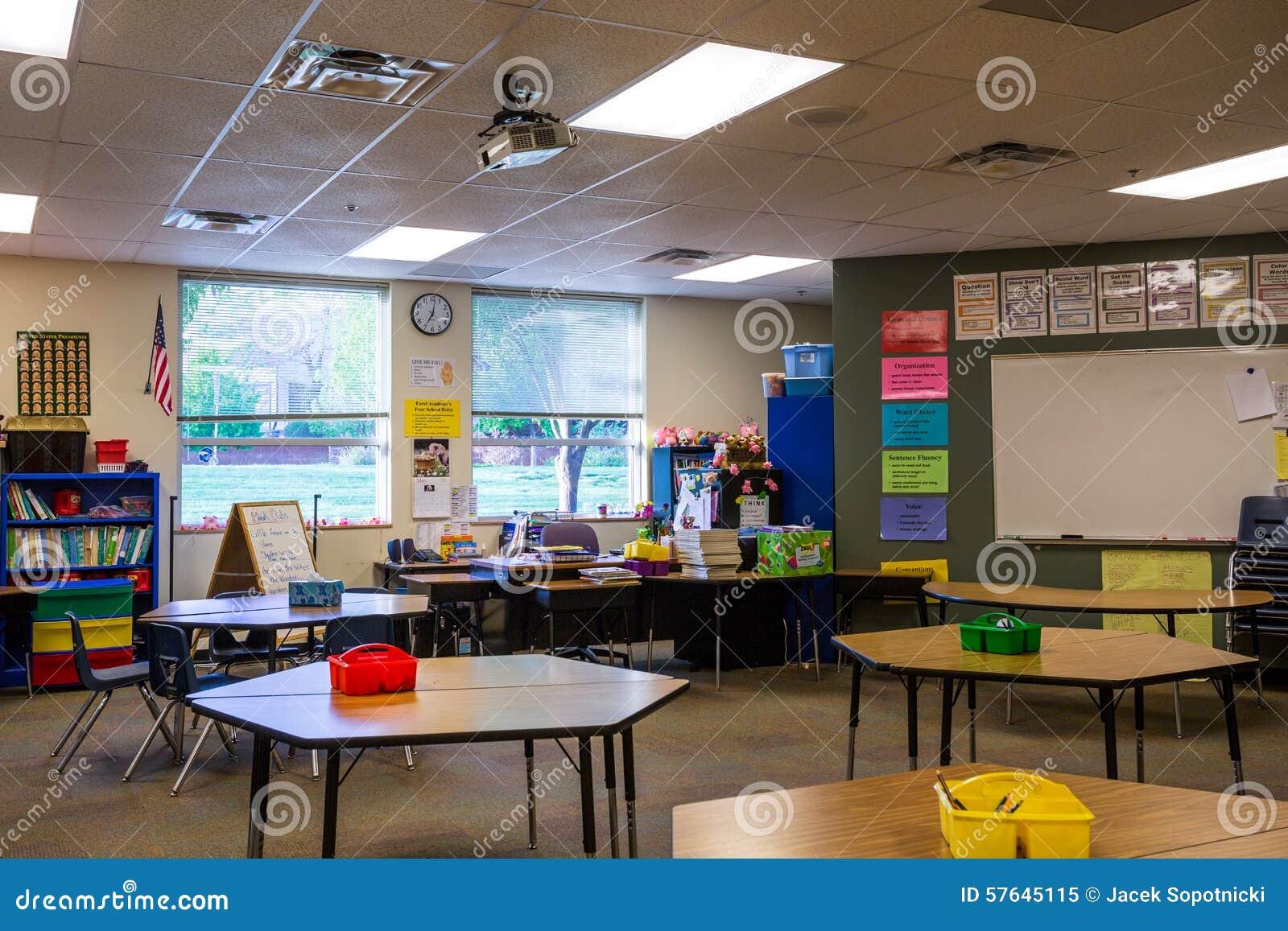 Sala de clase en escuela primaria