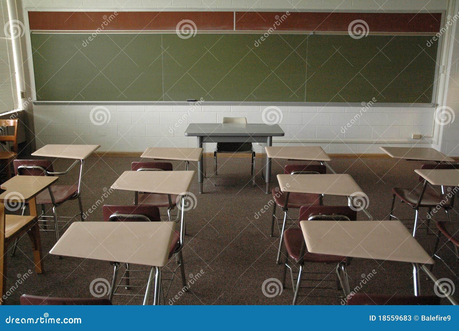 Sala de clase vacía de la universidad