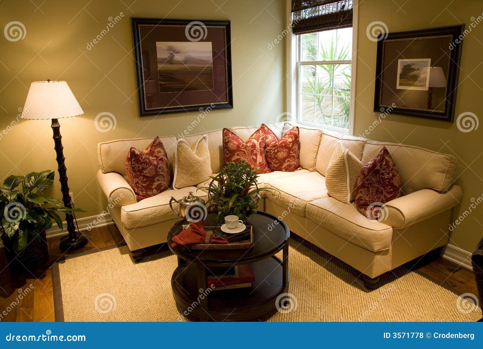 Sala de estar acogedora foto de archivo imagen de for Sala de estar de una mansion