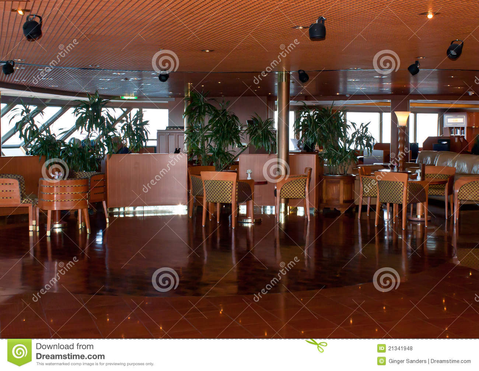 Sala de estar elegante do navio de cruzeiros