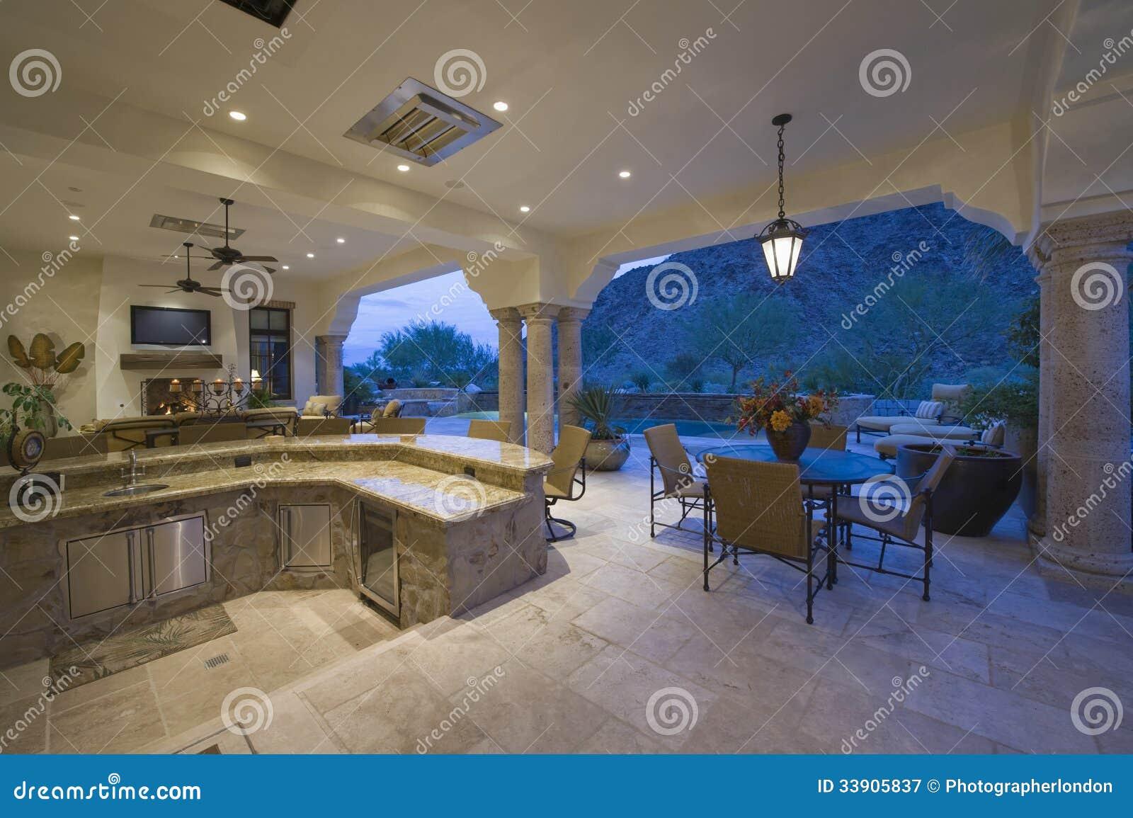 Sala de estar por la cocina hundida con la opini n del for Sala de estar estancia cocina abierta